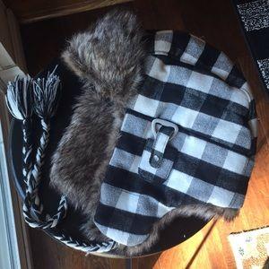American Eagle Trapper Hat ⛄️ C2